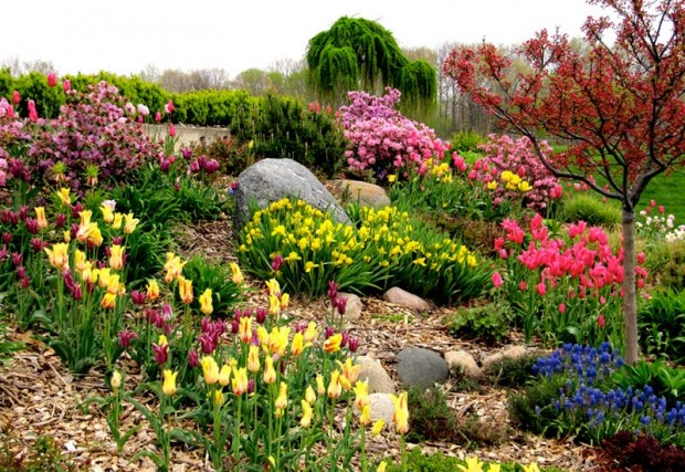 Mother's Day blooms abound at Windmill Island Gardens. (Photo: Flickr/Rachel Kramer)